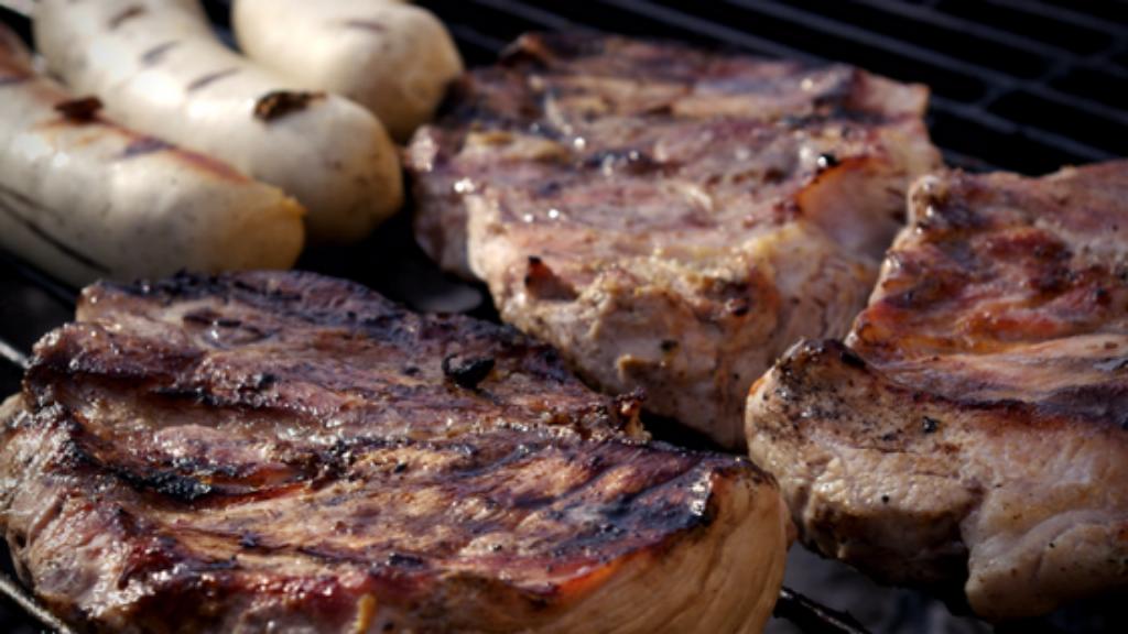 Come fare una grigliata di carne e verdure